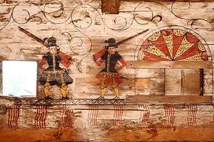 Wandmalereien im Getreidekasten aus Moosen